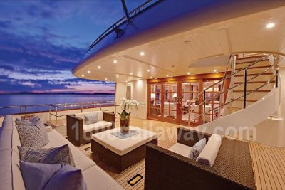 CALLIOPE motor yacht Holla Jachtbouw New Zealand holiday yacht charter vacation hot spot 2013 volcano powerboat charter iate