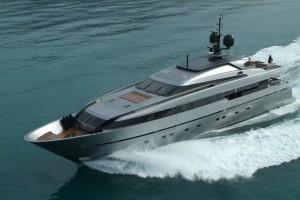 Motoryacht 4H - yacht charterers are offered jet incentive